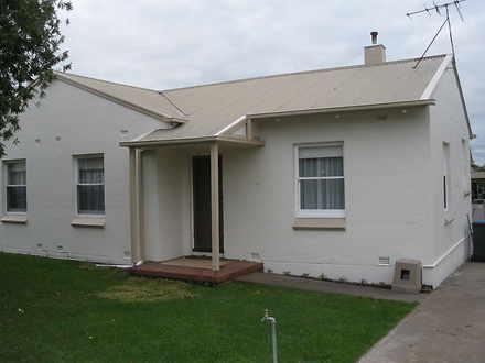 House - 6 Dundee Street, Mo...