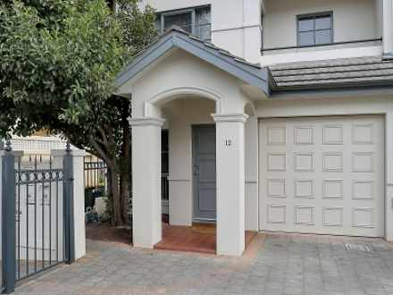 Townhouse - 12/16-20 Colley...