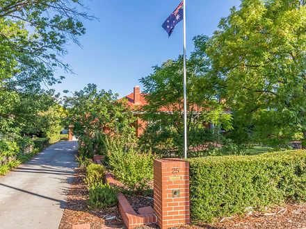 House - 25 Melbourne Avenue...