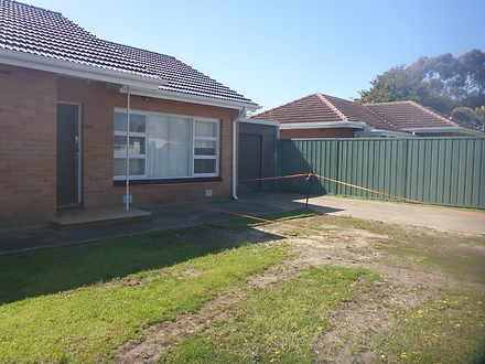 House - 6 DUNTROON Crescent...