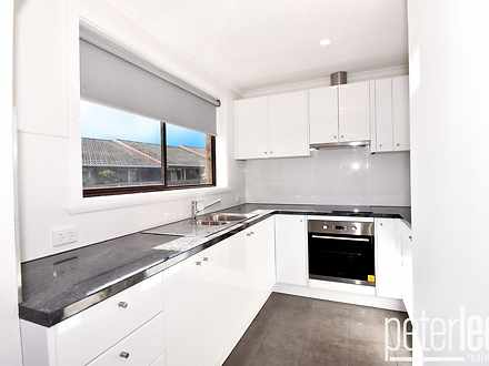 Unit - 3/17 Currawong Place...