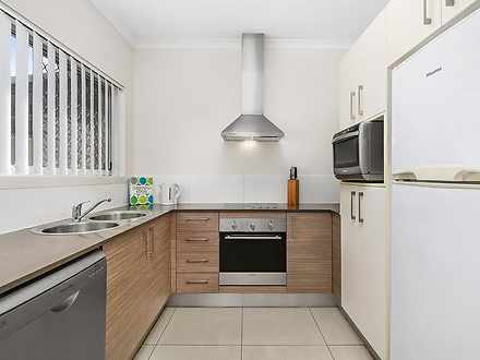 Townhouse - 4/50 Booligal S...