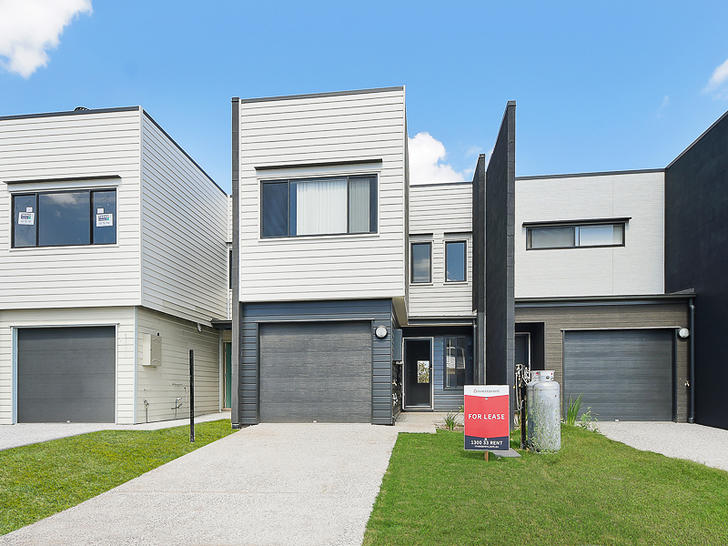 House - 8 Westray Crescent,...
