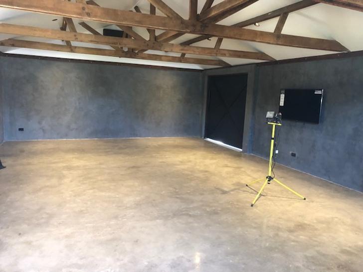Studio 1569471757 primary