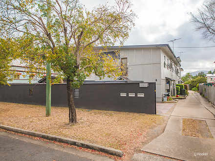 Unit - 3/2 Gillespie Street...