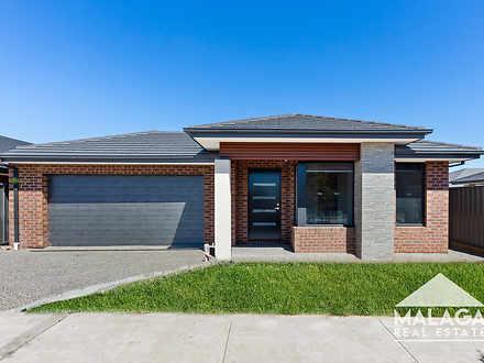 House - 17 Mossman Grove, M...