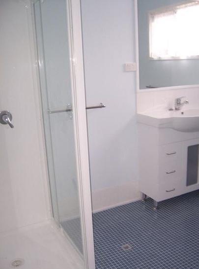 408c78b705c737b50af06e86 7434 bathroom2 1569993605 primary