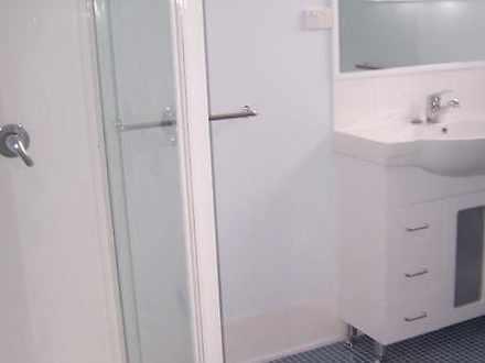 408c78b705c737b50af06e86 7434 bathroom2 1569993605 thumbnail