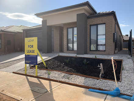 House - 32 Wonnangatta Cres...