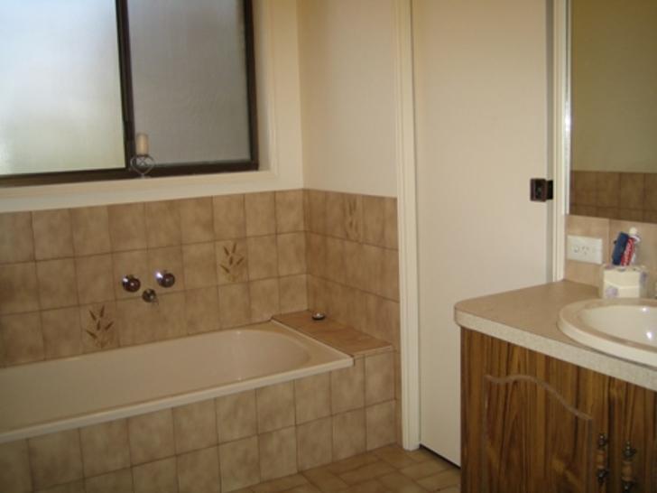Ca2cf4b19c30e757eea0d92f 6944 bathroom 1587100461 primary