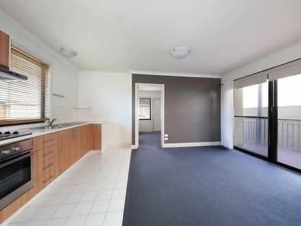Apartment - 1/3 Royal Lane,...