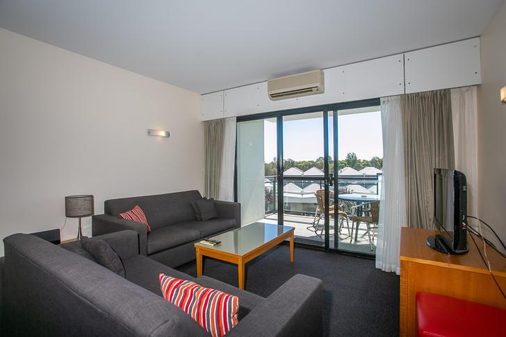Apartment - 410/150 Great E...