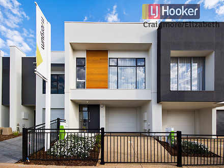 House - 14 Broadwater Place...