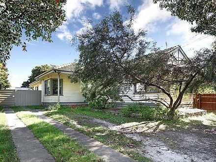 House - 4 Churchill Avenue,...