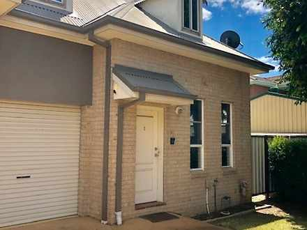 Townhouse - 1/111 Glossop S...