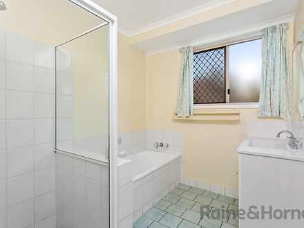 A4220b0fc041eade6f8d9ae7 23473 bathroom 1571724984 thumbnail