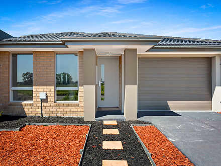 House - 25 Orleana Way, Cly...