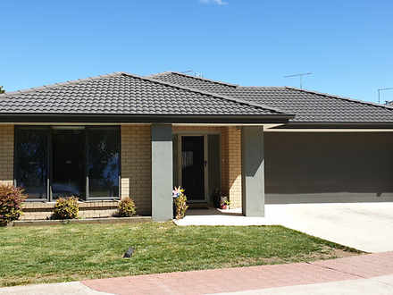 House - 3/5 Hall Court, Kyn...