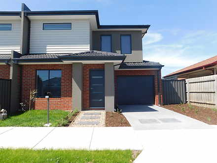 Townhouse - 24A Banksia Gro...