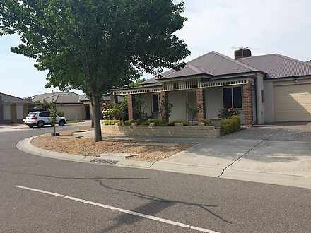 House - 8 Acland Street, Cr...