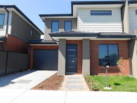 Townhouse - 24B Banksia Gro...
