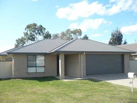 House - 1 Campbell Street, ...