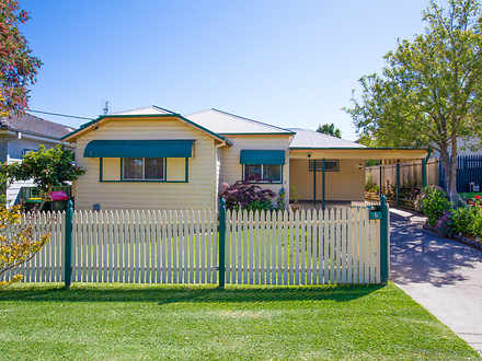 House - 6 Raymond Terrace R...