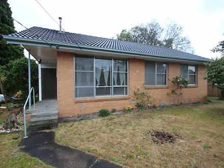 House - 8 Brunning Crescent...