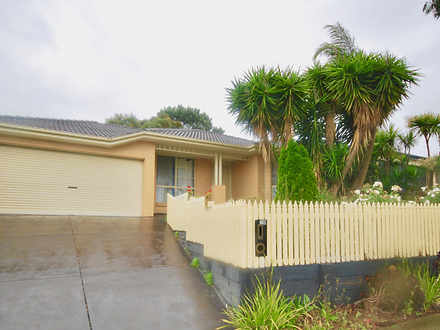 House - 11 Hillview Drive, ...