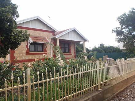 House - 263 Carawatha Drive...