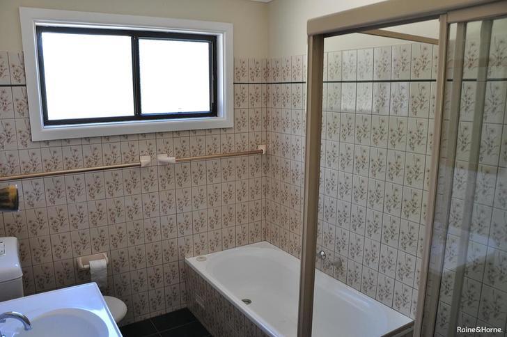 32 Elizabeth Bay Drive, Lake Munmorah 2259, NSW House Photo