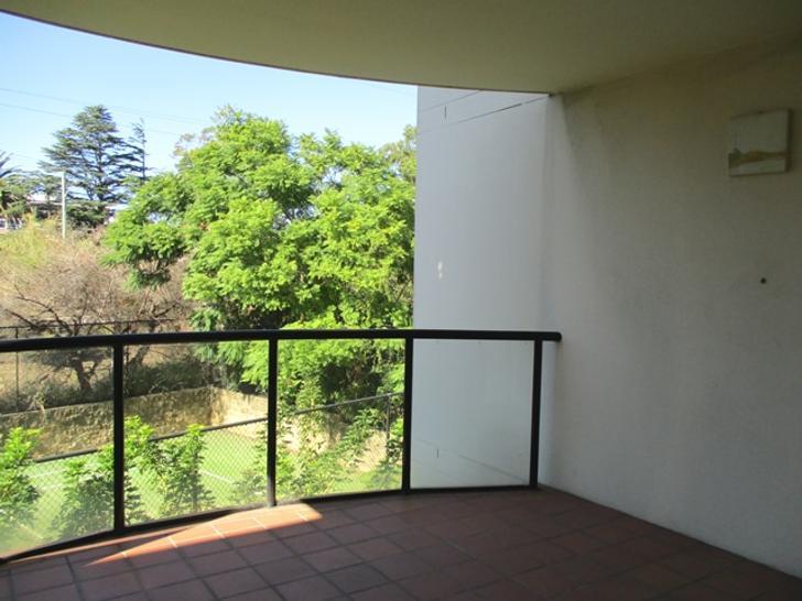 Caa5589c9f2e6fd3e1d916f7 6833 balcony 1573453221 primary