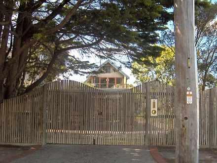 House - 8 Felix Crescent, T...