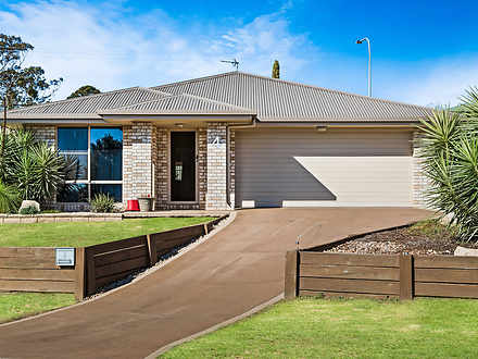 House - 4 Diamantina Drive,...