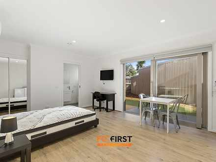 House - ROOM 3/111 Anzac Av...