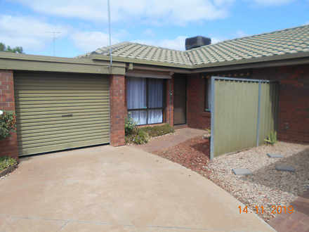 Unit - 6/382 Deakin Avenue,...