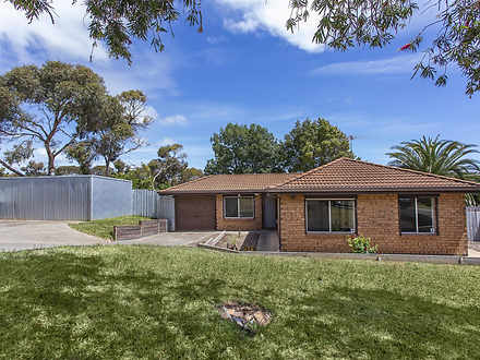 House - 4 Holdfast Road, Hu...