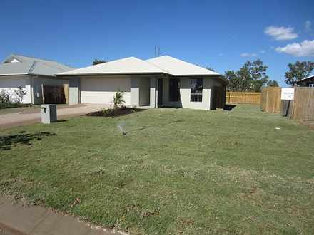 House - 7 Wineglass Bay Ave...