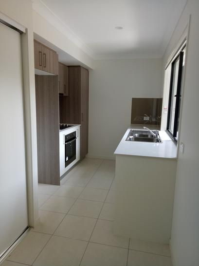 2 Bowerbird Street, Deebing Heights 4306, QLD Townhouse Photo