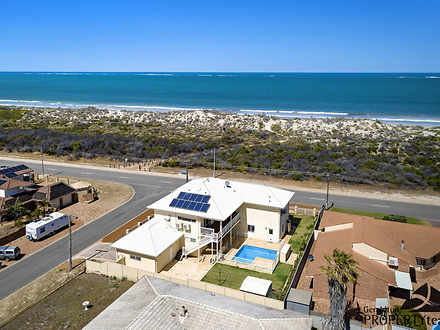 House - 1 Queenscliff Close...