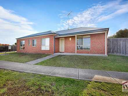 Unit - 1/11-13 Roseview Way...