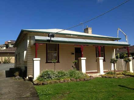 House - 3/13 Koroit Street,...