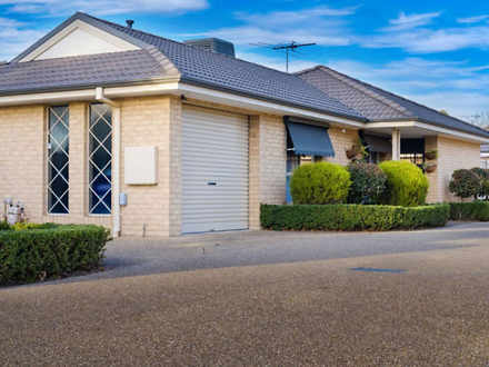 Townhouse - 1/460 Parnall S...