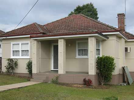 House - 14 Doncaster Avenue...