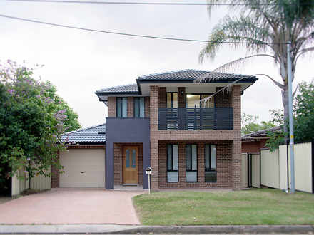 House - 37 Richardson Cresc...