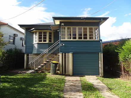 House - 23 Ferry Road, West...