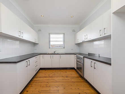 House - 2 Hornseywood Avenu...