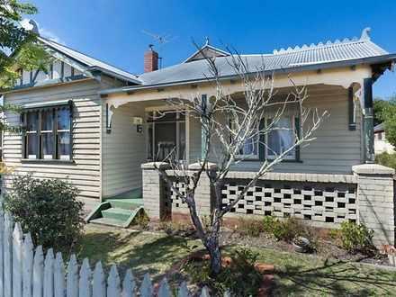 House - 4 Essex Street, Wen...
