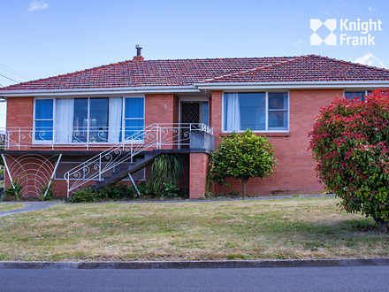 House - 5 Cedar Street, New...