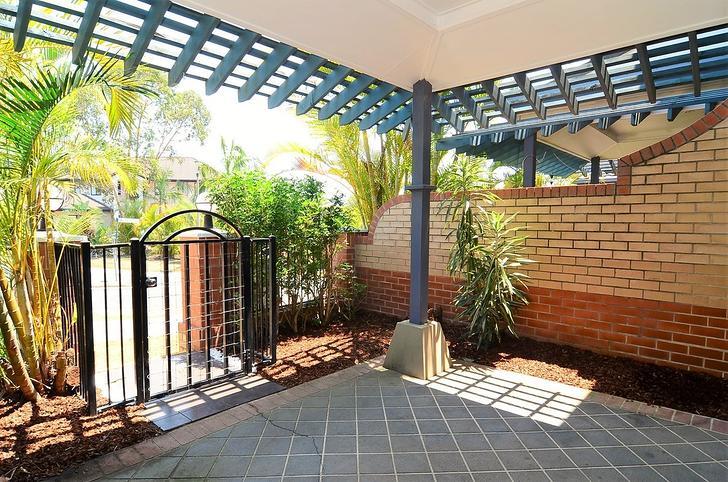 UNIT 4/1 Hillridge Crescent, Varsity Lakes 4227, QLD Townhouse Photo